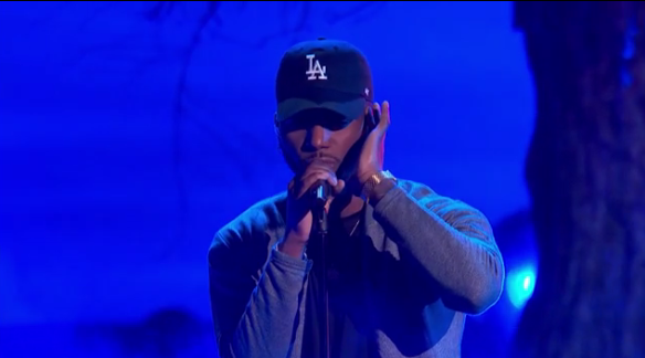 Video: Bryson Tiller Performs 'Don't' & 'Exchange' at 2016 BET Awards