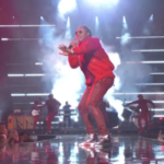 Future Performs 'Commas' at 2016 VMAs