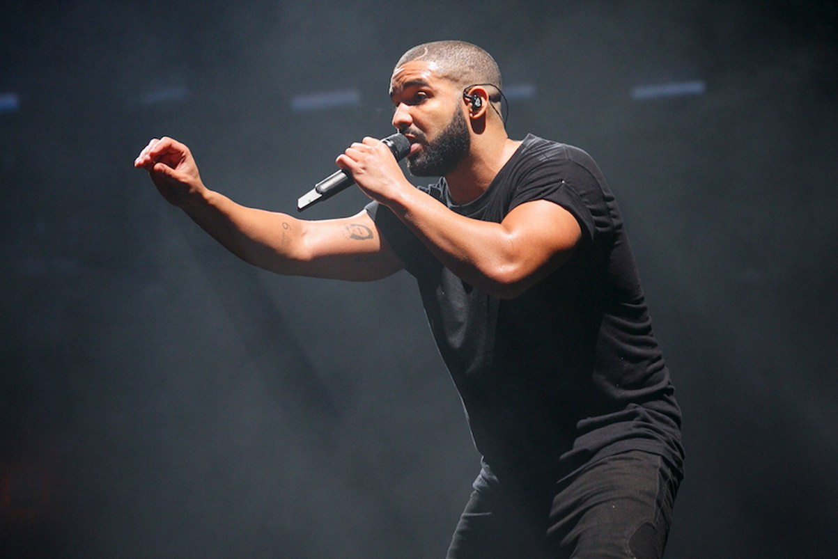 "Drake Says ""F*ck HOT 97"" During Freestyle @ Madison Square Garden"
