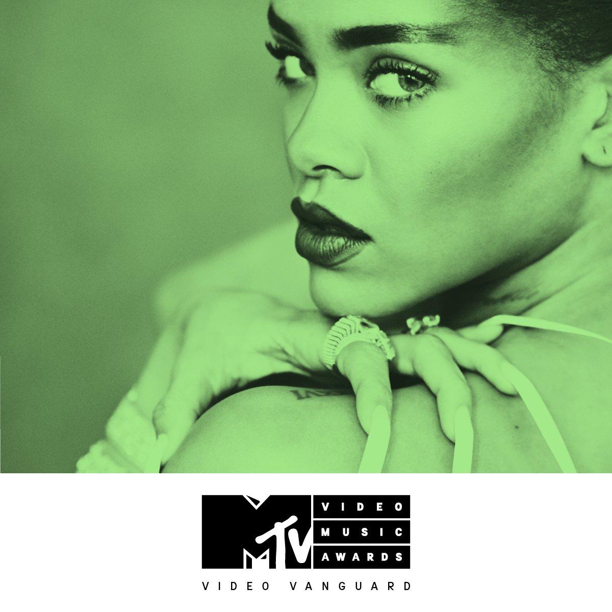 Rihanna's 2016 MTV VMA Performances